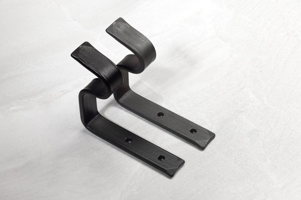 Standard brackets: matt black and beeswax finishes
